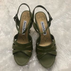 America Eagle Green Strap Wedges Size 9